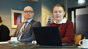 Vasa stads tekniska direktör Markku Järvelä och generalplanläggare Annika Birell.