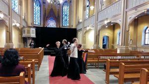 Pori Dance Company dansar till Mozarts Requiem.