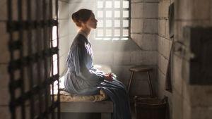 Sarah Gadon i rollen som Grace i Netflix-serien Alias Grace