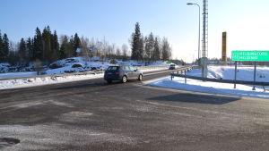 Uppfart från motorväg vid Gammelby i Lovisa.