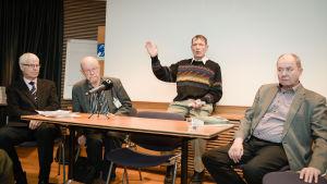 Henrik Lax, Osmo Soininvaara, Esko Seppänen, Iiro Viinanen.