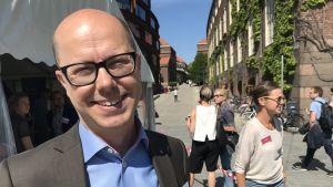 Porträttbild på Jonas Eliasson, trafikdirektör i Stockholm.