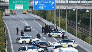 Polisen blockerade vägen under den pågående biljakten 23 september, där iransk underrättelsetjänst anklagas för att ha planerat ett mord.