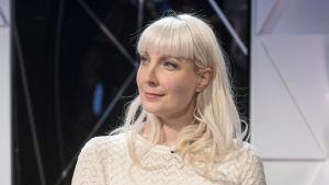 Laura Huhtasaari under den stora valdebatten  i TV1 25.1.2018.