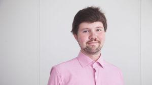 Touko Niinimäki är koordinator för Setas seniorverksamhet.