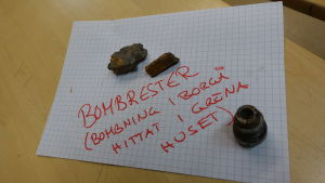 En bild på bombrester från bombningar i Borgå.