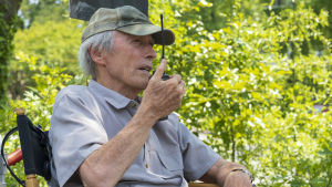 Ohjaaja-tuottaja Clint Eastwood Richard Jewellin kuvauksissa Atlantassa.