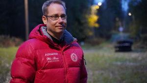 Porträttbild på Henrik Malmberg.