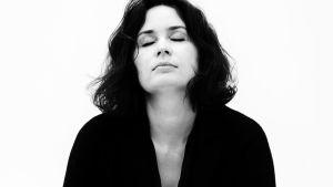 kuvassa viulisti Patricia Kopatchinskaja