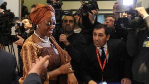 Nigerias oljeminister Diezani Kogbeni Alison-Madueke anländer till Opec-konferensen i Wien.