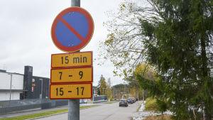 15 minuters parkering vid Finländarvägen nära Finno skola