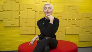 Laura Lindstedt / Kirjailija / Kolumnisti / Pasila 4.12.2017