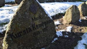 Jägare Kursta (Konsta?) Kemppainens grav i Kellinghusen