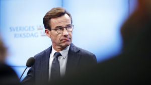 Moderaternas ordförande Ulf Kristersson under en presskonferens.