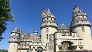 Pierrefonds on keskiaikainen, täysin entisöity linna lähellä Compiègneä Ranskassa.