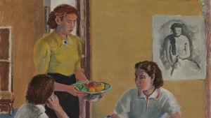 Bild på målning av Aarre Heinonen (1938) där folk samlats vid ett kaffebord.