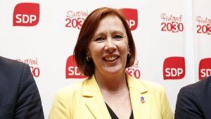 Sirpa Paatero efter SDP:s presskonferens 4.6.2019.