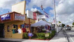 Butik för kampanjprodukter a la Trump i Miami.