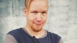 Porträtt på regissör Antti Kemppainen.