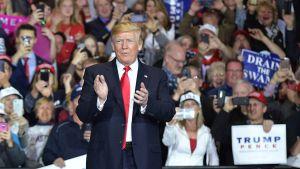 Trump på kampanjmöte i Michigan 28.4.2018.