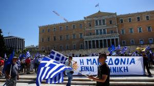 Protest mot den grekisk-makedonska namnuppgörelsen i Aten.