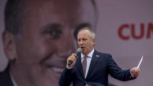 Den förenade oppositionens presidentkandidat Muharrem Ince talar för ett sekulärt, öppet och liberalt Turkiet