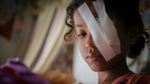 åttaåriga Razan blev skadad i ett flyganfall