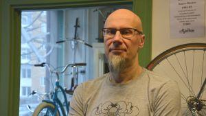Ari Sinkkonen i cykelaffären.