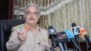 General Khalifa Haftar som en gång tjänstgjorde under ekt-diktatorn Muammar Ghadaffi vill blir Libyens armékommendör
