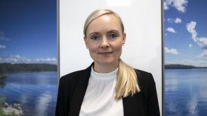 Vihreiden puheenjohtaja Maria Ohisalo työhuoneellaan 2019 elokuussa