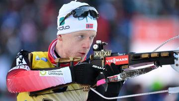 Johannes Bö skjuter.