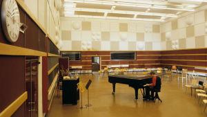 M1-studio 1980