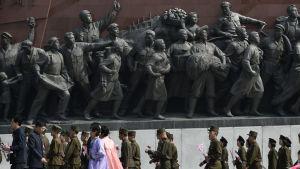 Partiets ställning har stärkts på arméns bekostnad under Kim Jong Un som betonar vikten av att ekonomin stäkrs