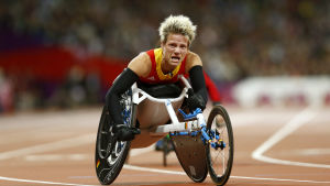 Mariene Vervoort sitter i sin rullstol under paralympiska spelen i London 2012.