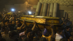 Begravning för en av offren i fredagens attack mot kopter.