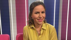 Bloggaaja Maria Nordin Puoli seitsemän ohjelman studiossa.