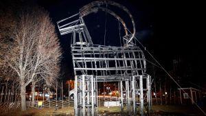 Fjolårets Gävlebock var en sorglig syn i fjol på invigningskvällen den 27 november.