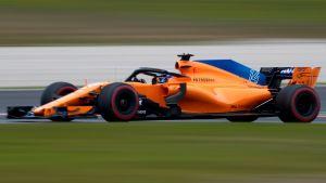 Fernando Alonso kör sin McLaren