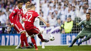 Joshua Kimmich gör 1-0 för Bayern i Madrid.