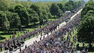 Cirka hundratusen människor samlades i Windsor