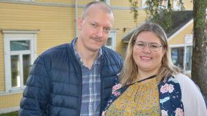 Peter Stolpe och Paula Huusko är föräldrar till Alma, 4 som går i Gustavsborgs daghem och Lydia som går i ettan i Gerby skola.