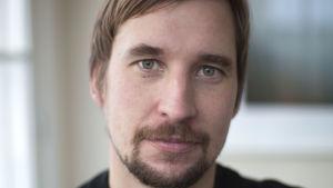 Regissören Ilkka Rautio dokumenterar Koverhars stålverk