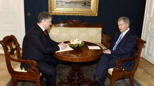 Ukrainas presient Petro Porosjenko och president Sauli Niinistö.