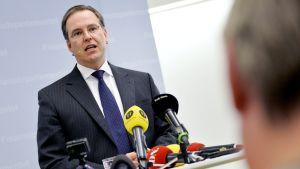 Finansminister Anders Borg håller en presentation den 15 september 2014 i Stockholm.