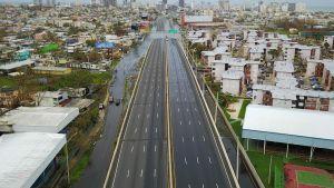 Öde väg i San Juan, Puerto Rico, efter orkanens framfart.