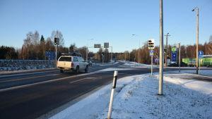 Korsningen riksväg 25 och stamväg 52 i Ekenäs.