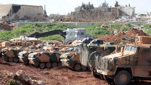 Turkiska styrkor som stöds av rebeller från den Fria syriska armén omringade Afrin den här veckan och försöker nu inta staden