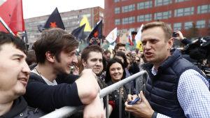 Aleksej Navalnyj under demonstrationen i Moskva