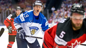 Veli-Matti Savinainen.