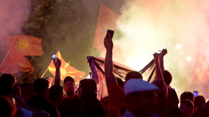 Protester utanför parlamentet i Skopje.